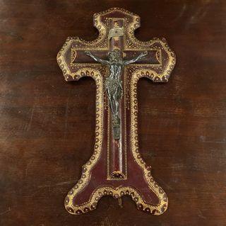 Crucifijo Piel