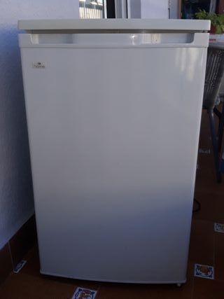 Congelador de 3 cajones con poco mas de dos años