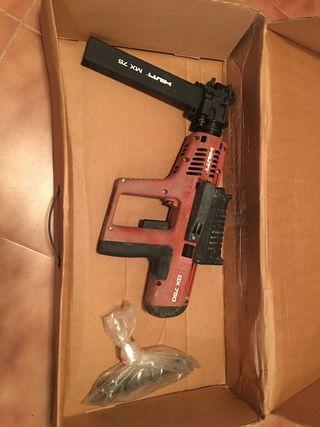 Pistola de clavos Hilti DX750