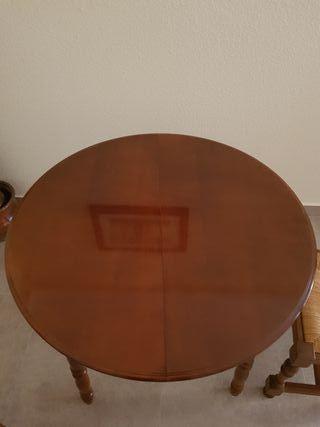 mesa extensible con 2 sillas