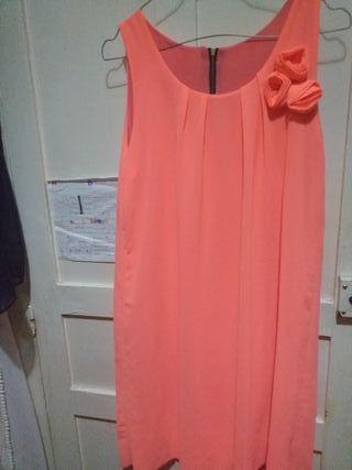 vestido de color fucsia
