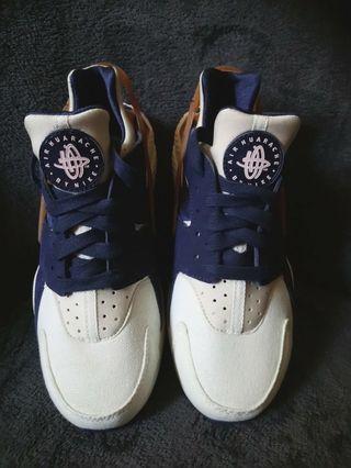 Nike Huarache Limited Edition NEW