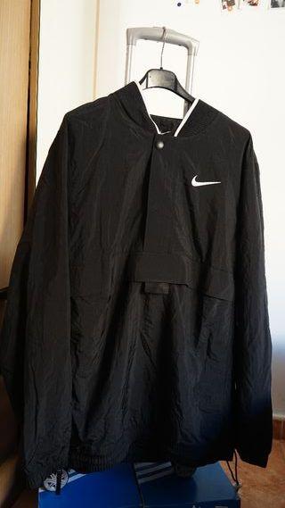 cortavientos Nike