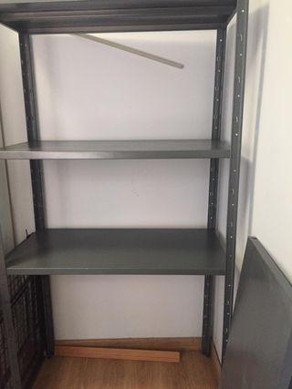 estantería metalica