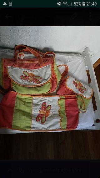 Bolso maternal, cambiador y percha para pañales