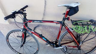 Bicicleta de carretera adaptada para ciudad