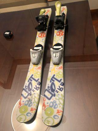 Se venden Esquís de niño.