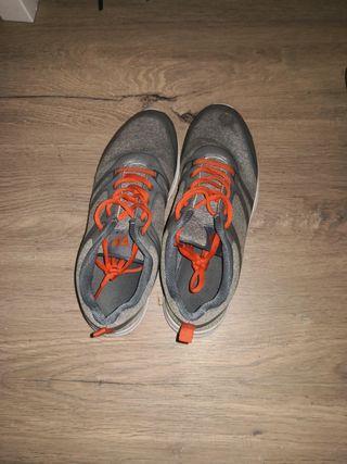 Zapatillas Grises talla 40/41