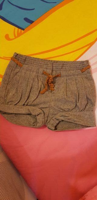 Pantalón corto gris niña