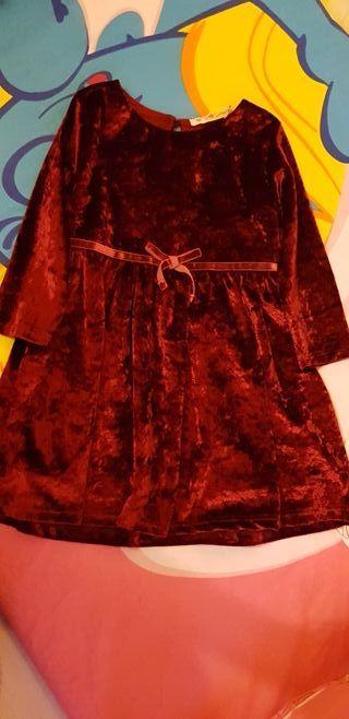Vestido niña rojo.
