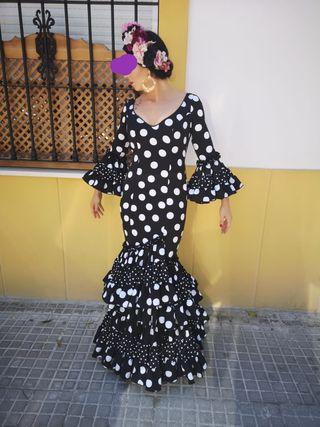 Traje de gitana, Vestido de Flamenca