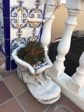 Bota escultura de jardín