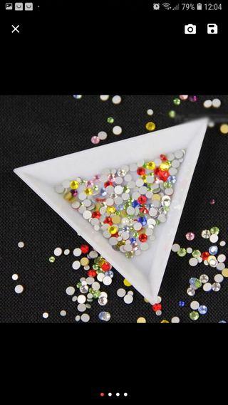 Bandejas piedras uñas Las 3x1€COMPRA MINIMA10€