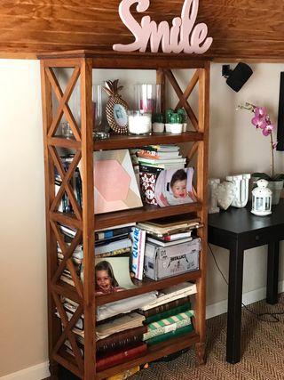 Mesa salon baja + estanteria