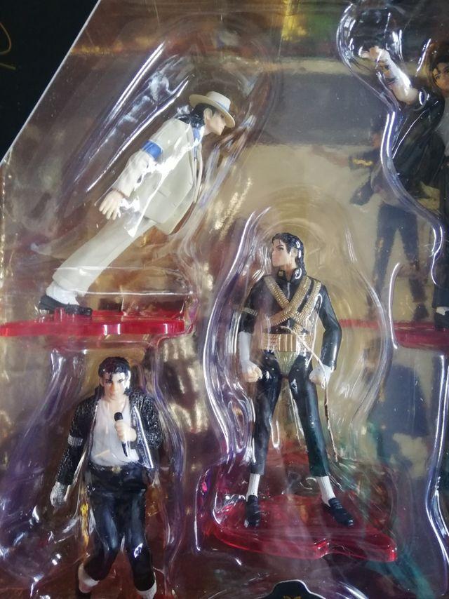 Caja con 5 figuras de Michael Jackson. NUEVA