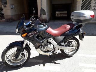 Vendo Aprilia Pegasus 650.
