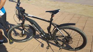 bici de la marca giant dirt+2.electrica
