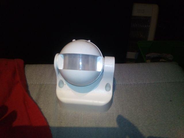 Detector de movimiento 180 grados