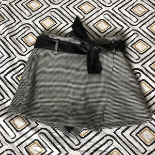 Patterned black and white Skirt-trousers