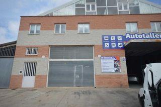 Nave industrial en venta en Santa María del Camí