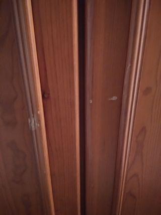 Armario de pino con colgador,color miel