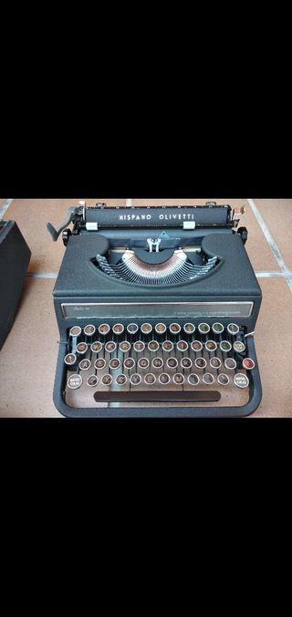 Maquina de escribir Hispano Olivetti (Funciona)