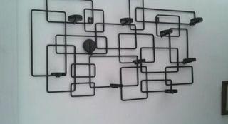 Candelabro negro para pared