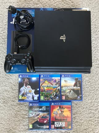PS4 Pro 1TB con 5 juegos