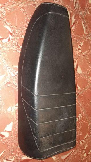 sillín plano derbi variant