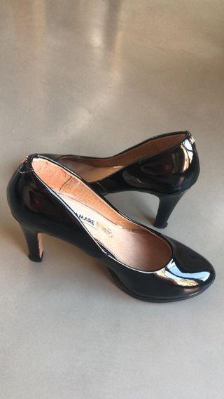 05d62c87 Zapatos de tacón de segunda mano en Sabadell en WALLAPOP