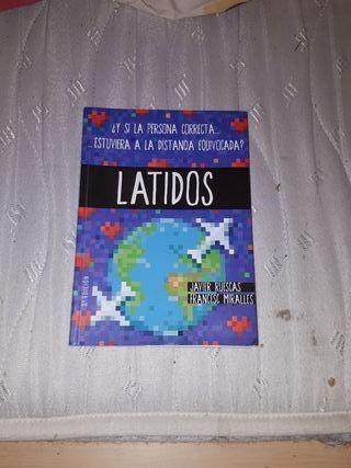"""Libro """"LATIDOS""""."""