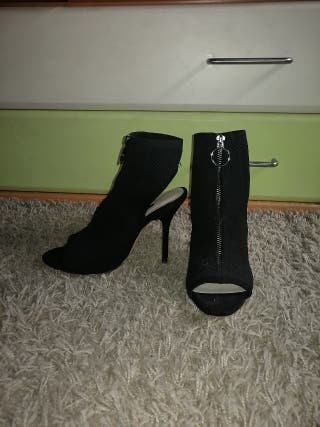 20a4f9c0 Zapatos de tacón Zara de segunda mano en Oviedo en WALLAPOP