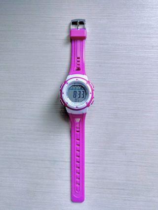 Reloj digital niña nuevo.