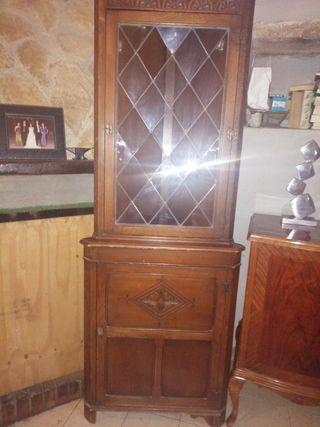 vitrina rinconera