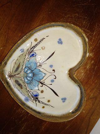 plato decorativo pintado a mano