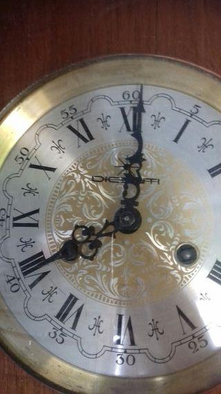 reloj de parez antiguo