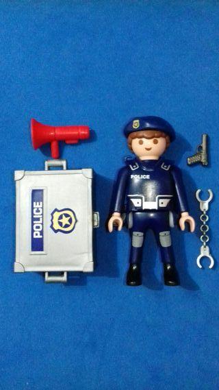 Playmobil policia con baúl accesorios