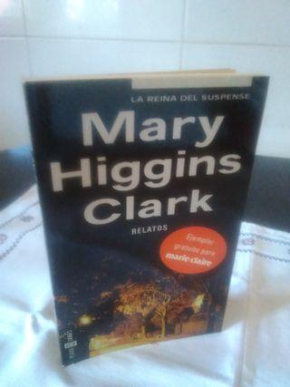 132-RELATOS, Mary Higgins Clark, 2002