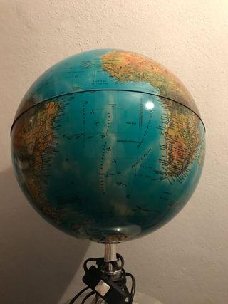 Lámpara globo terráqueo