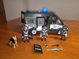 Furgón policía Playmobil