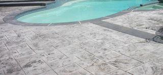 hormigon impreso y vertical, muros piscinas