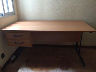 Se vende mesa escritorio grande