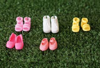 Zapatos para Chelsea, la hermana de Barbie