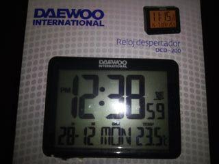 Reloj despertador digital Daewoo