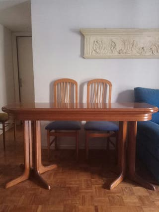 Mesa de salón desplegable + 4 sillas