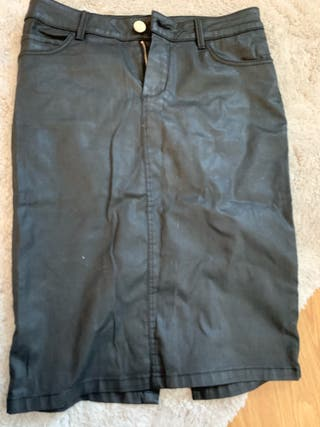 7606271d7 Falda negra de segunda mano en Pozuelo de Alarcón en WALLAPOP