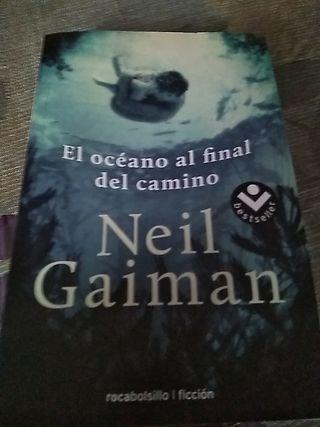 """Libro: """"El océano al final del camino"""""""