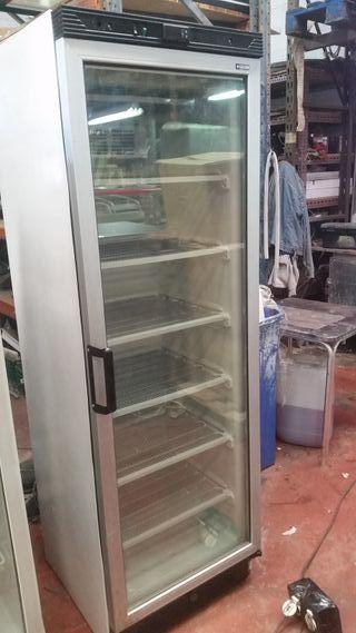 Nevera expositora 1 puerta de refrigeracion
