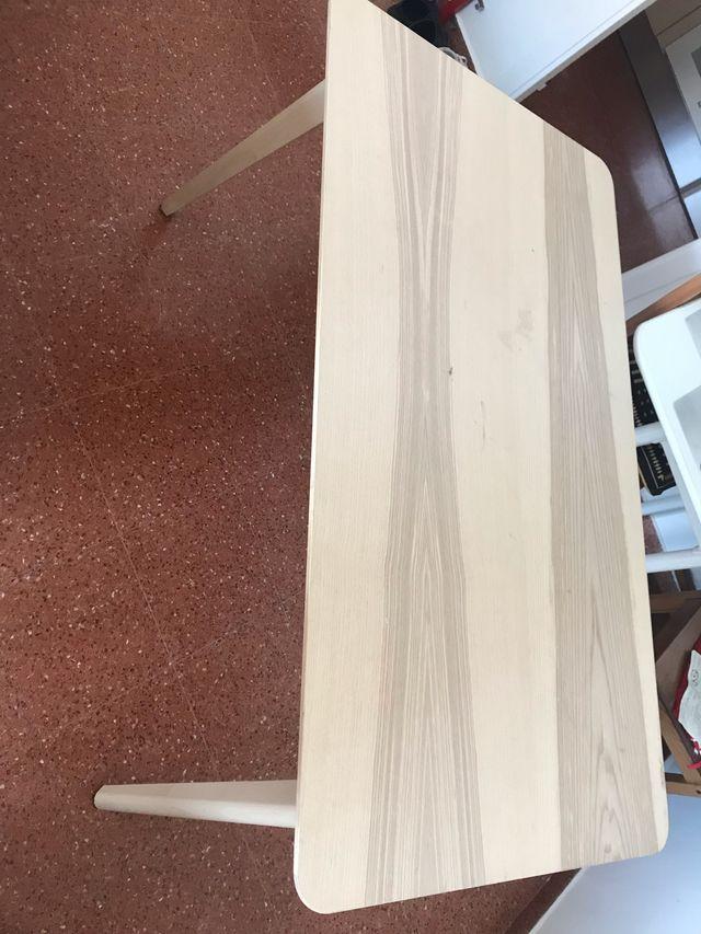 Mesa color beige + 4 sillas (ikea)