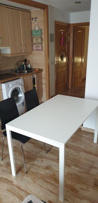 Mesa de comedor MELLTORP con 4 sillas Ikea